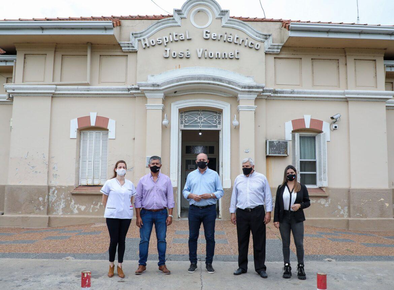 Perret y Cerutti ser refieren a la obra de ampliación del Hospital Jose Vionet