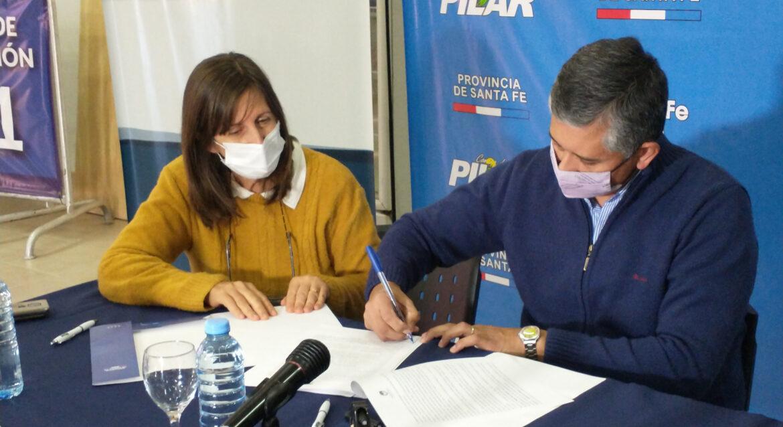 La Comuna de Pilar, firmó convenio con la secretaria de la niñez, adolescencia y familia de Santa Fe.